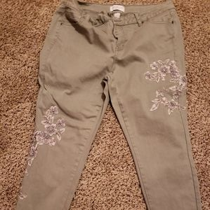 Gray skinny Jean's with applique designs